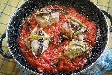 Bonito tomate piparras - Wikicocina