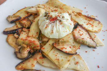 Receta hongos boletus plancha huevo escalfado - Wikicocina